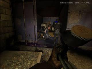 SWAT 4 - screen - 2004-12-22 - 39908