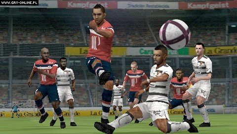 Pro Evolution Soccer 2012 PSP Gry Screen 4/94, Konami