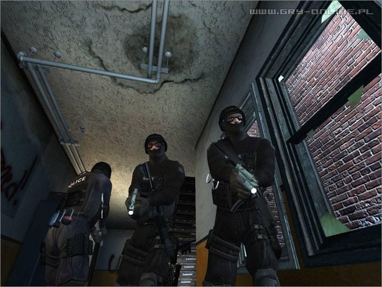 В игре вы командуете подразделением полицейского спецназа swat. . Скачать
