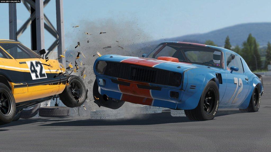 Racing In Car Online